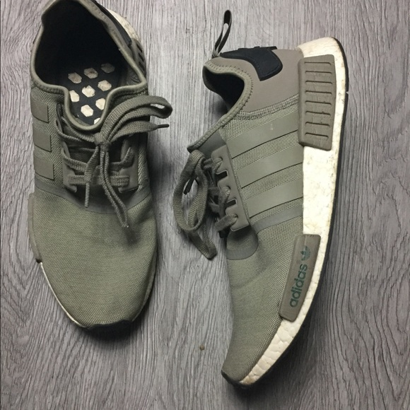 Mens Sz 8.5 Adidas NMD R1 Olive Green Sneakers